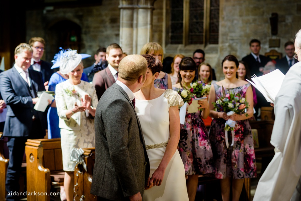 a horncastle wedding - the first kiss